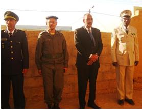 والي لبراكنه أحمدو ولد عبد الله إلى جانب مدير الأمن وقائد الحرس والقائد العام للناحية الوسطى للدرك