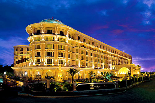 Famous hotels 5 star hotels in india for Top design hotels india
