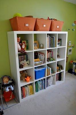 Decoraci n de interiores estanter as cuartos infantiles - Estanterias guardar juguetes ...