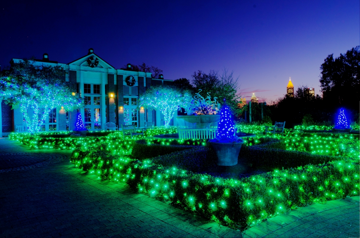 Atlanta botanical garden shines green this winter with for Holiday lights botanical gardens
