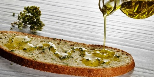 oil bread and oregano