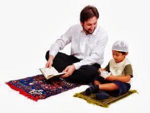 ilustrasi anak dan ayah tilawah (foto muslimrug)