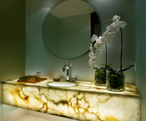 Patricia gray interior design blog onyx bathroom design for Onyx bathroom design