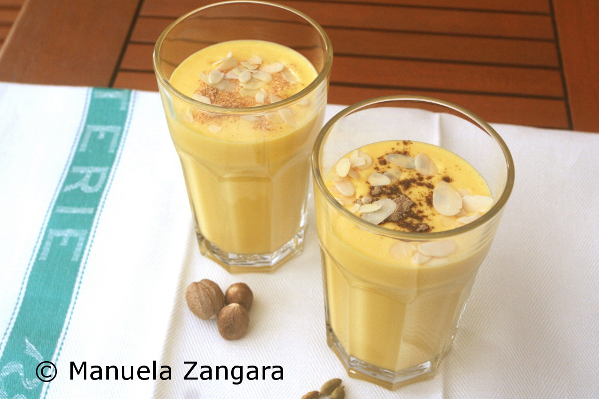 how to make indian mango lassi