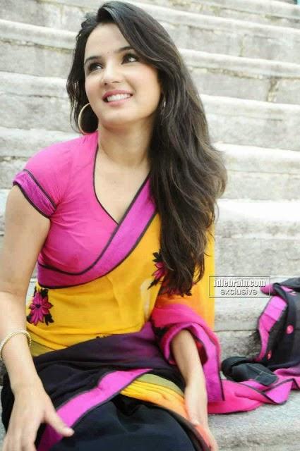 Latest entertainment website top 5 indian nice girls pics - Indian nice girl wallpaper ...