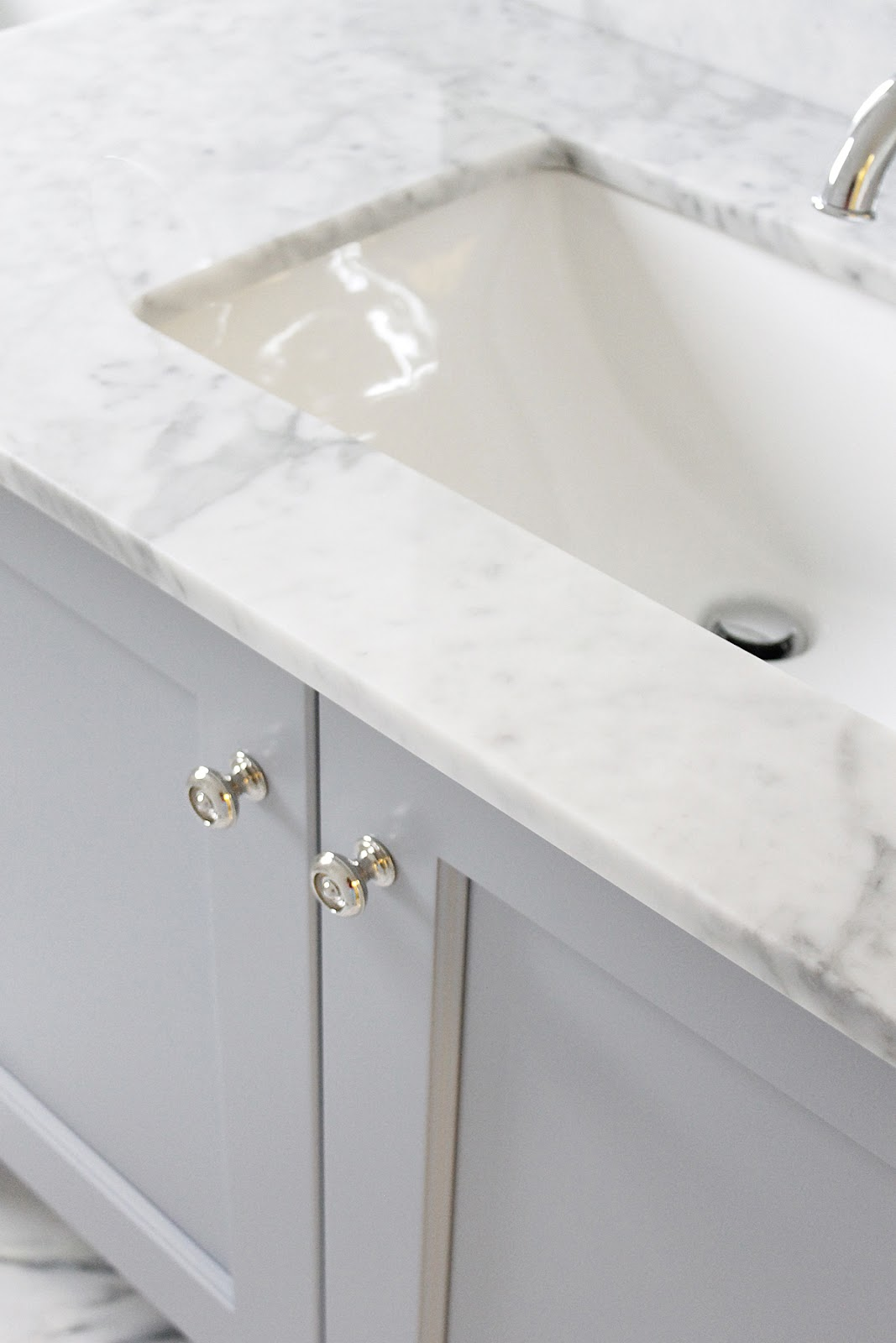 AM Dolce Vita: Main Bath Sneak Peek