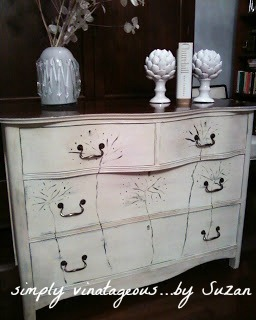 Dresser, Annie Sloan, Old White, Dark wax, Floral Design, antique