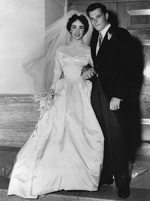 7 Most Iconic Wedding Gowns in The World: Elizabeth Taylor Wedding Gown