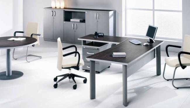 Ótima dica de mesa para decorar seu escritório