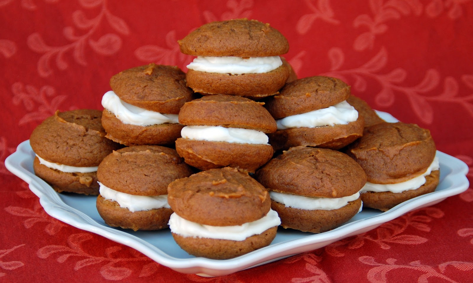 pumpkin whoopie pies with cream cheese filling pumpkin whoopie cookies ...