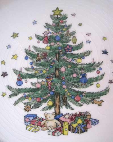 Tea With Friends: A Nikko Christmastime Serving Dish