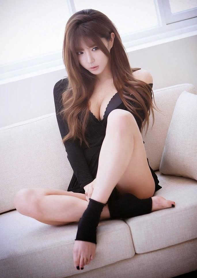 Sexy Korean model Heo Yun Mi