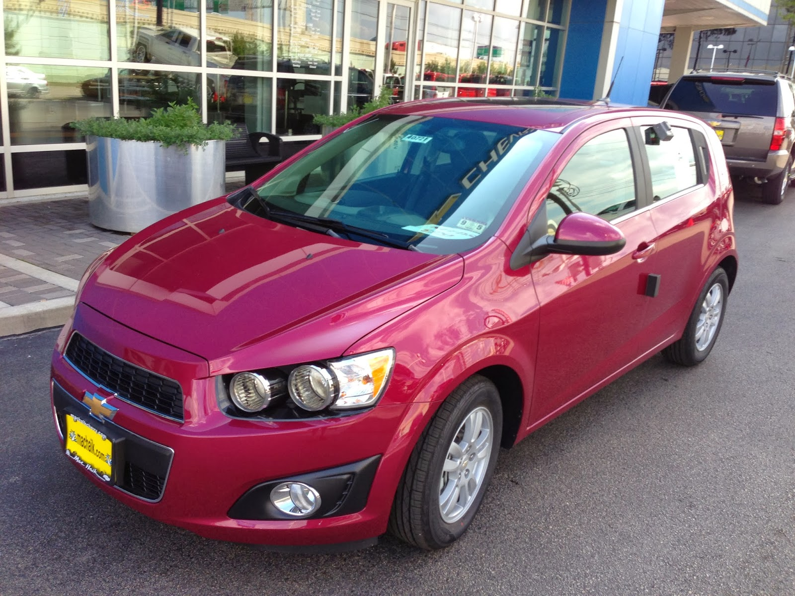 car review first drive 2014 chevrolet sonic hatchback 1 8l. Cars Review. Best American Auto & Cars Review