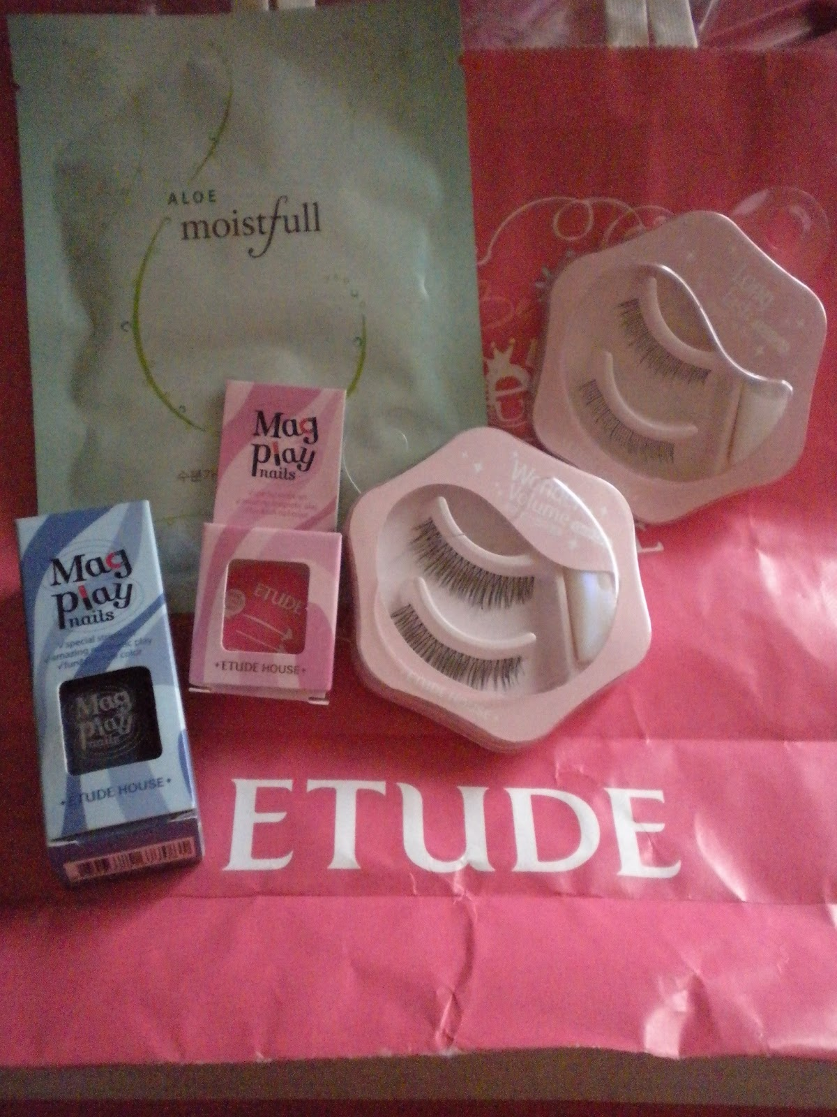 Dainty md unexpected monthsary gift and i got this tiny package from my bf i was really surprised because he wento to etude house all by himself and picked out these kikay items for me negle Image collections