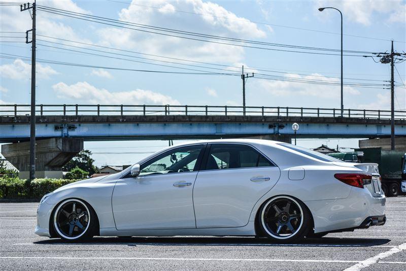 Toyota Mark X, piękny design, najciekawsze nowe samochody, RWD, tylnonapędowe, fajne sedany, biała