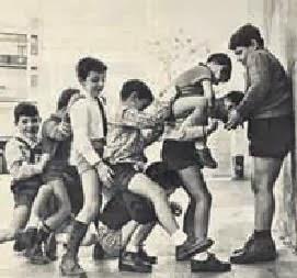 AL BURRO O A LA MOSCA, JUEGOS TRADICIONALES DÉCADA 1950-1960