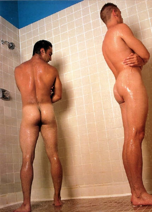 naked male ass in lockerroom