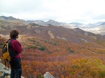 Me encanta perderme en el monte con mi hijo Carlos