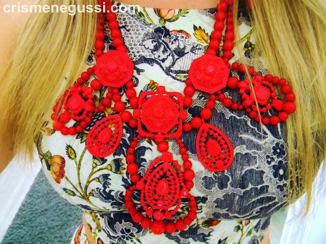 maxi colar vermelho