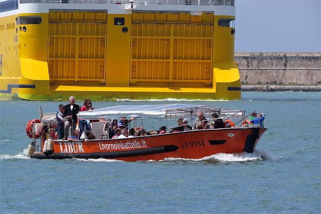 Ferry Mega Smeralda, IMO 8306486, port of Livorno