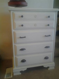 Awesome SOLID Wood White 5 Drawer Dresser With Black Knobs
