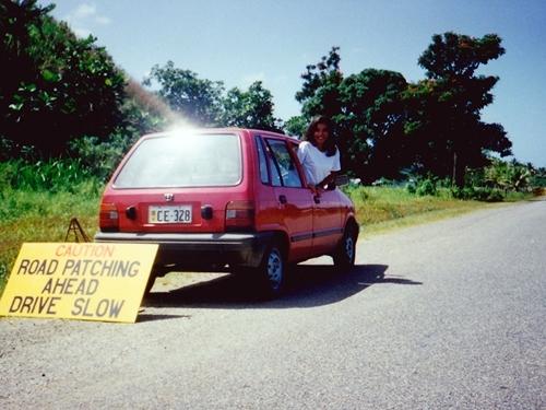 フィジーのメインアイランド<ビティレブ島>は青森県ほどの大きさなコンパクトな島ということで、 レンタカーを借りてドライブしてみることにしました