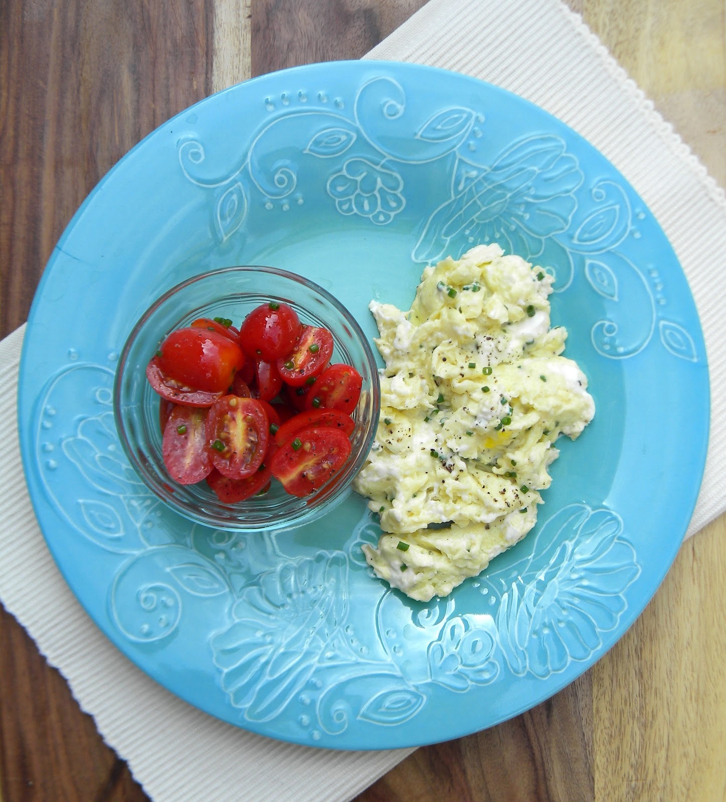 lovin' forkful: Scrambled Eggs with Cream Cheese and Chives