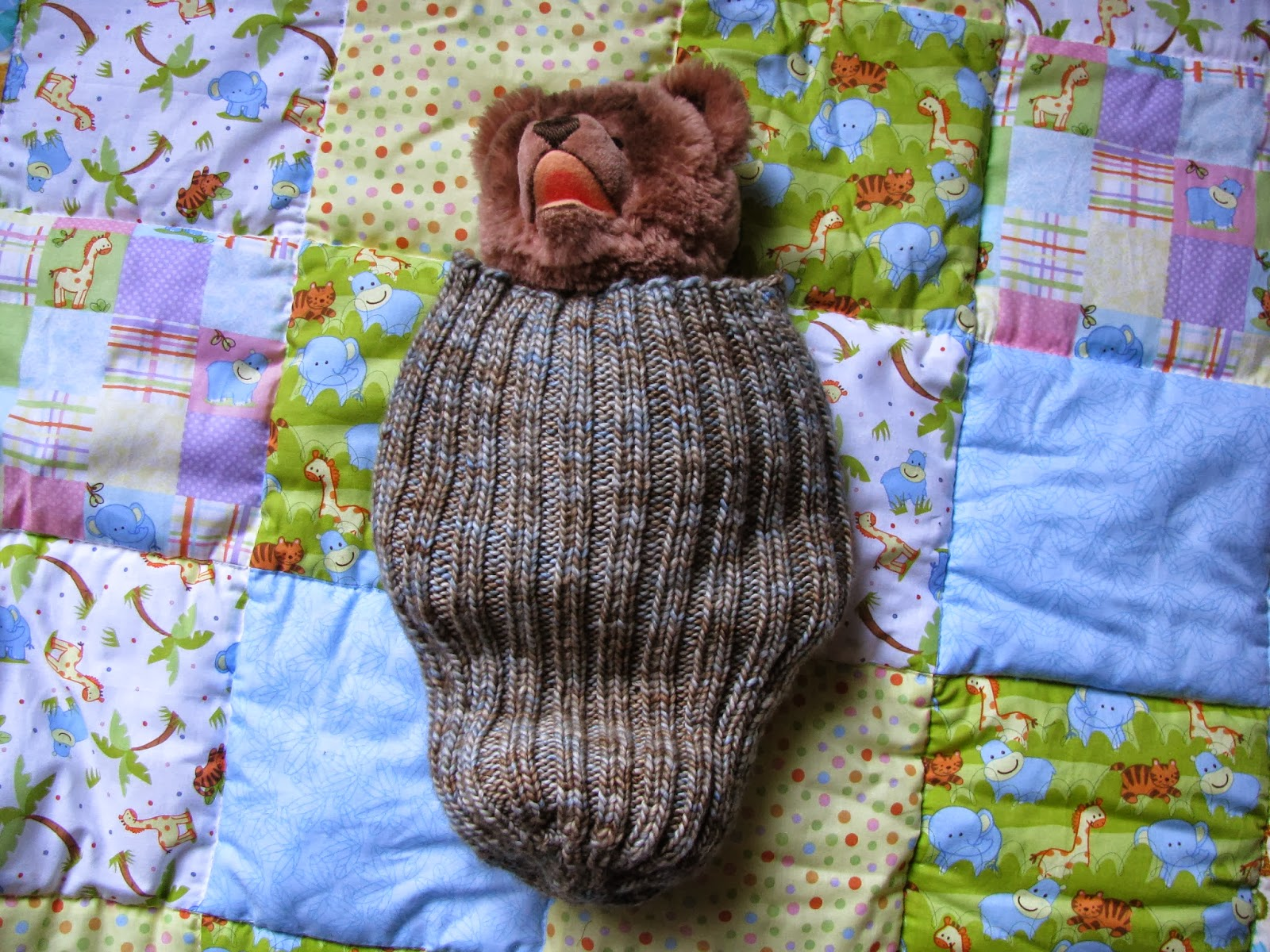 Chris Knits in Niagara: Baby Cocoon