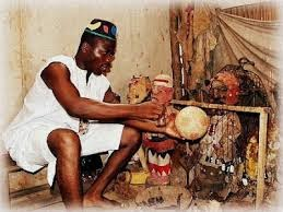 Brujo haitiano cambia dinero por heces animales a dominicano le dijo que se le multiplicarían en dinero al llegar a casa
