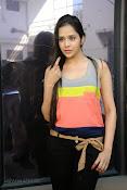 Abha Singhal latest photos at Dil Diwana press meet-thumbnail-18