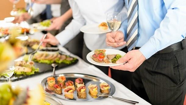 5 alimentos que deve evitar nas festas