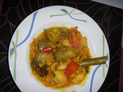 Paella de arroz integral con verduras