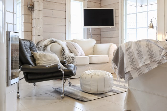 hirsitalo olohuone, livingroom, log home, scandinavian interior