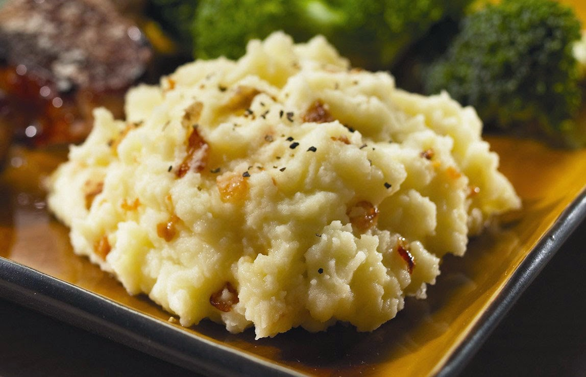 Welcome Home Blog: ♥ Buttery Garlic & Onion Mashed Potatoes