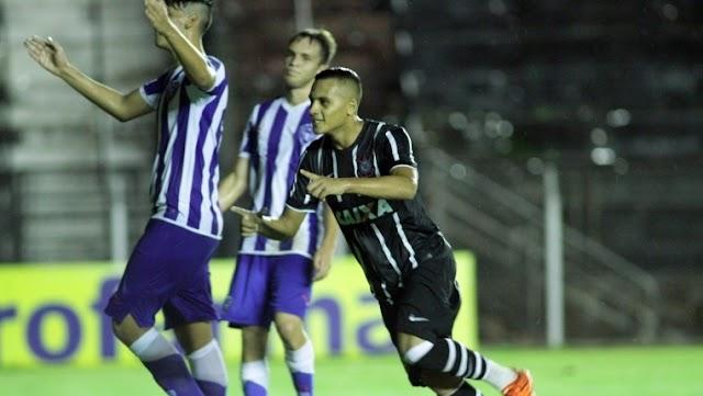 Corinthians massacra Paysandu e avança de fase na Copinha