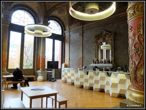 Bar du foyer café historique Gaité Lyrique Paris musée numérique