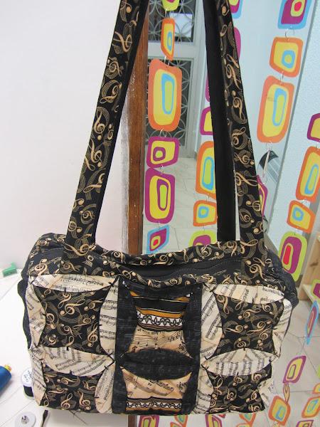 Bolsos de patchwork aprender manualidades es - Manualidades patchwork bolsos ...