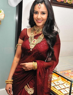 Priya Anand Cute in Saree Photos