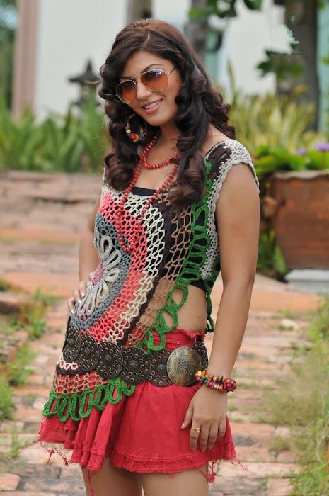 sara sharma glamour  images