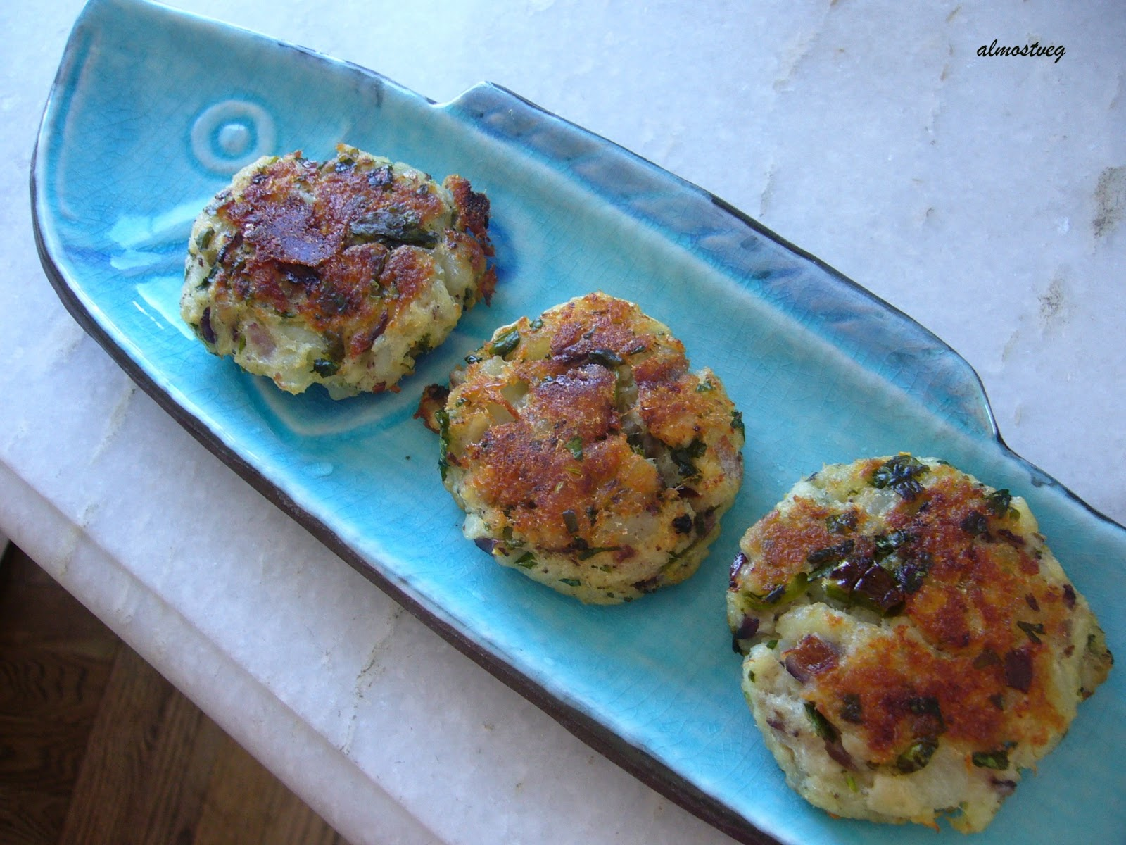 Almostveg baked fish cakes with cilantro and sumac for Baked fish cakes