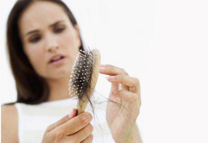 10 Cara Alami Mengatasi Rambut Rontok