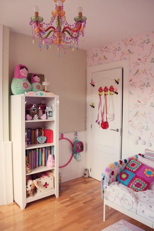 Puerta al sur habitaci n en rosa para una ni a for Muebles de habitacion ikea