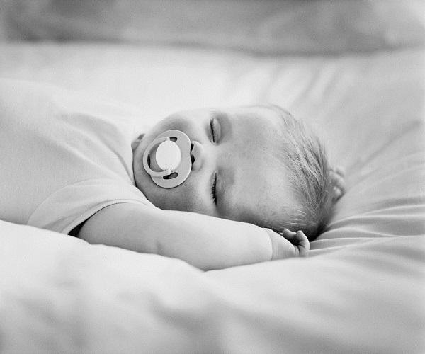 Photo b b noir et blanc b b et d coration chambre - Photo noir et blanc enfant ...