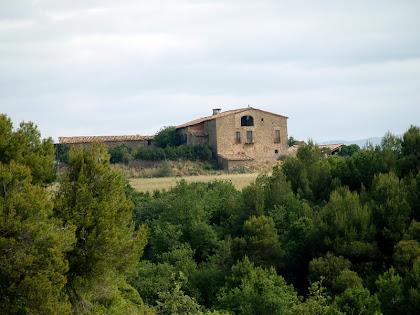 Torrebadella des del camí de l'Afrau