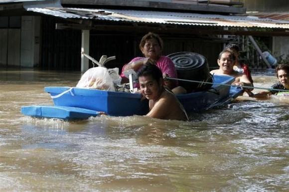 Banguecoque: INUNDAÇÕES JÁ FIZERAM 206 MORTOS