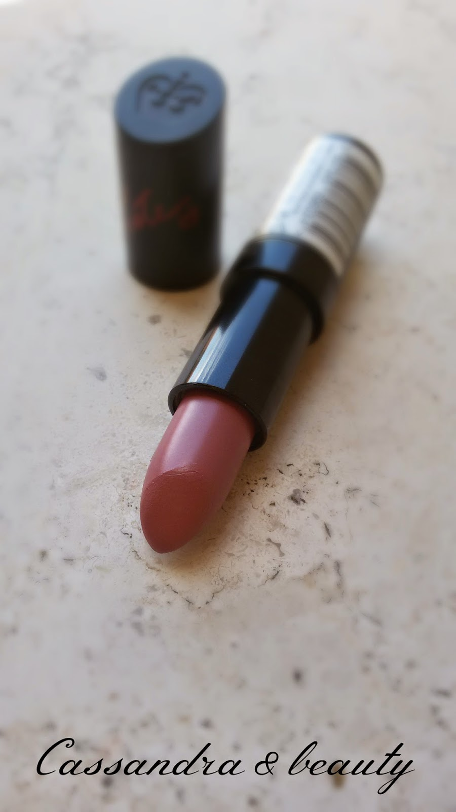 I'm in love with... #1: Lipstick!