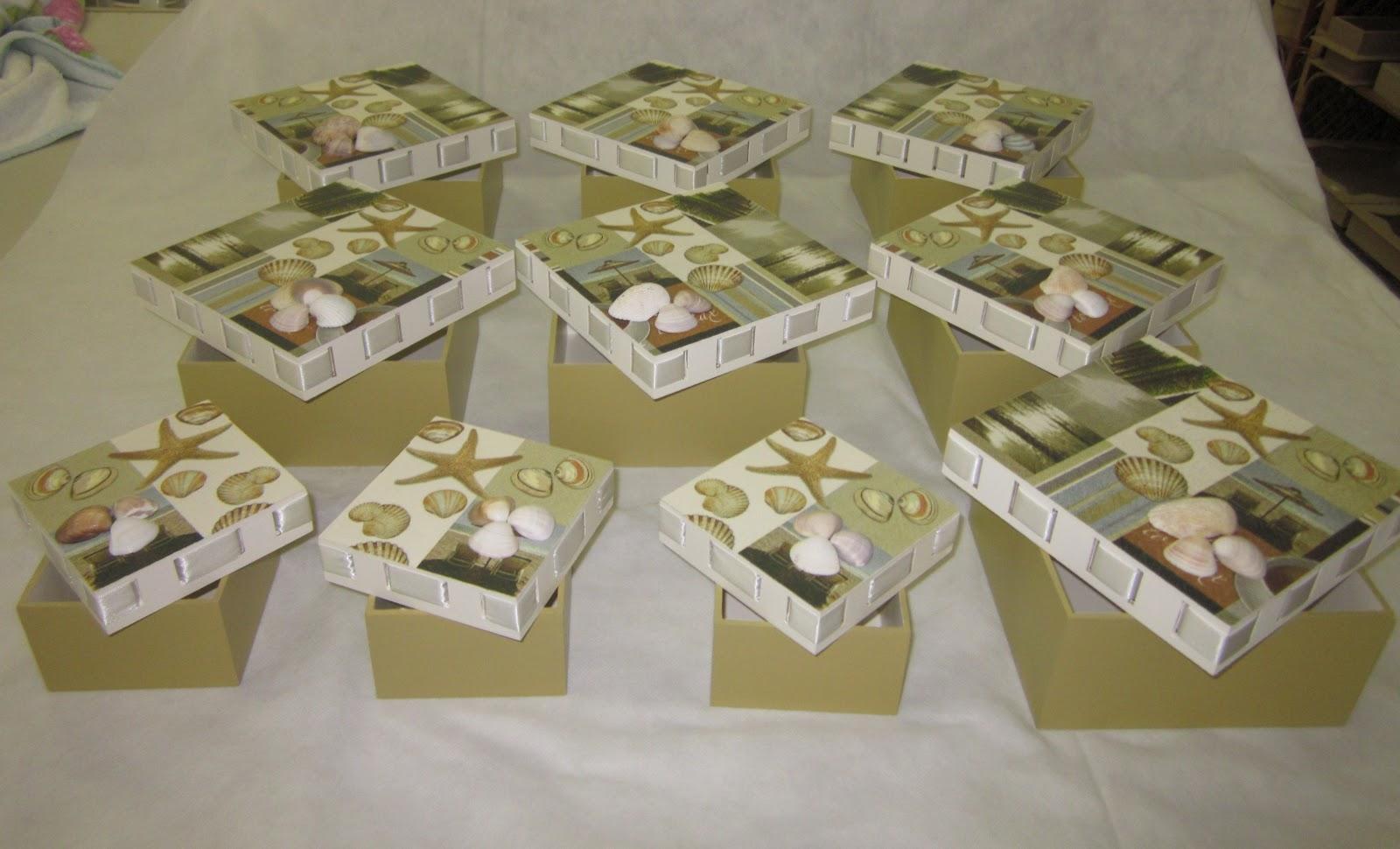Doce Mistério artesanato: Caixa para padrinhos de casamento #624F35 1600x970