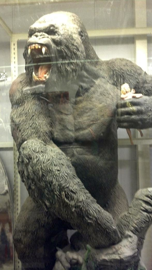 toy museum,gorilla in the mist