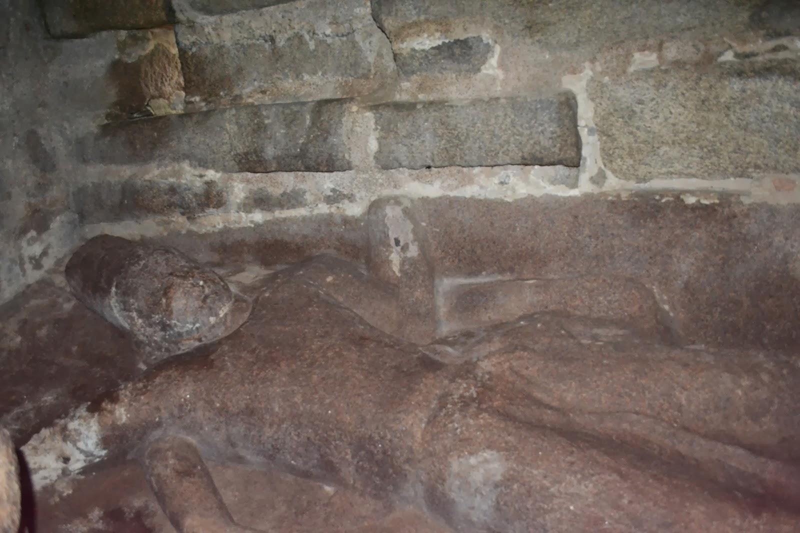 Reclining Vishnu in shore temple