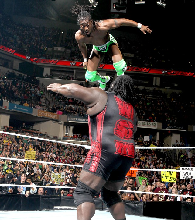 Ryback Bench Press: I LOVE WWE: Mark Henry Beatdown Kofi